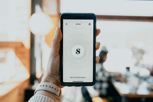 Geld besparen op je mobiele telefoonrekening